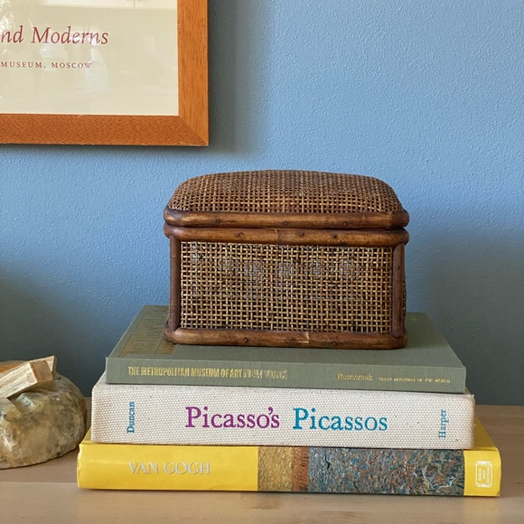 VINTAGE TREASURE CHEST BASKET